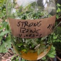 How to make a vinegar for stronger bones