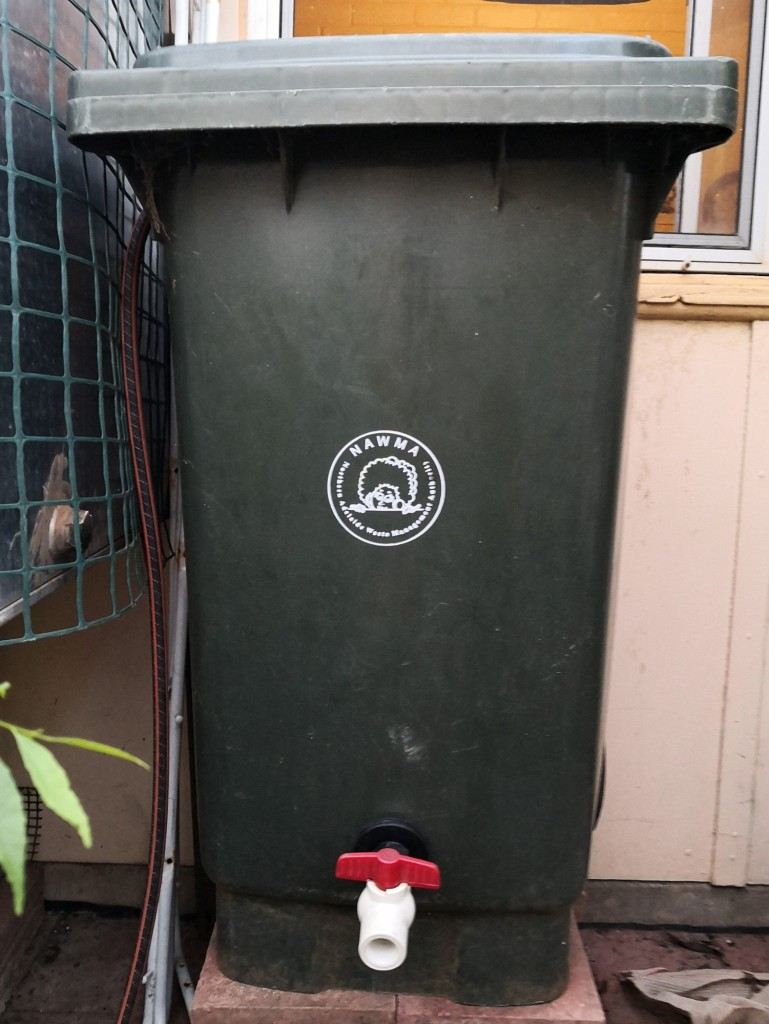 wheelie bin rain tank