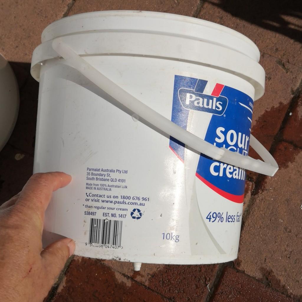 A 10 kilo bucket holds 9+ liters