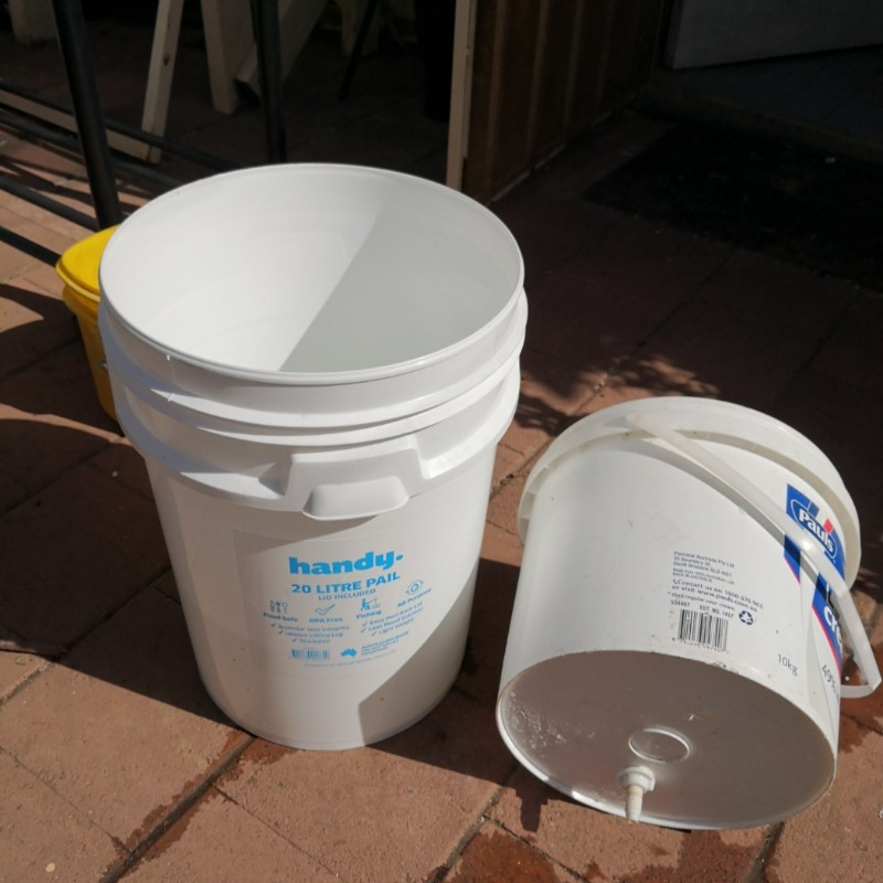 Simple water filter from reused parts